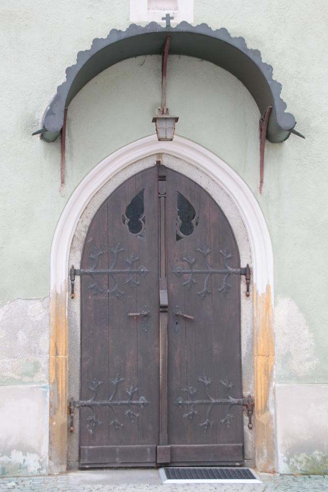 42 Kirchentürface